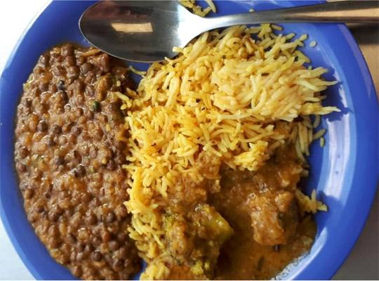 a plate of traditional Indian / Pakistani curry